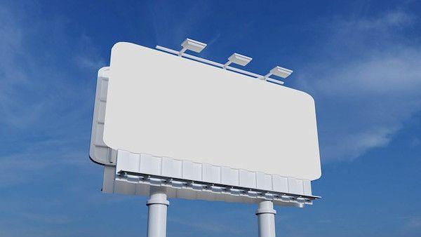 Billboard 7latek spadl