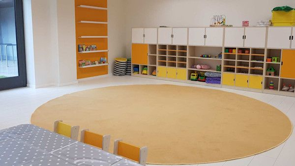 Dwujezyczne przedszkole biurowiec
