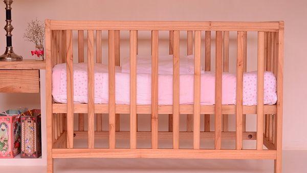 Spanie niemowlaka lozko