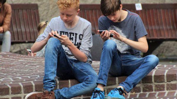 Smartfon nastolatek