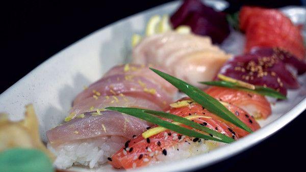 Jedzenie sushi ciaza