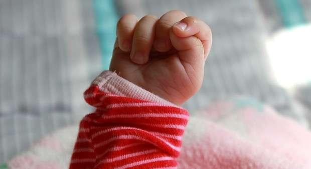Rączka niemowlaka