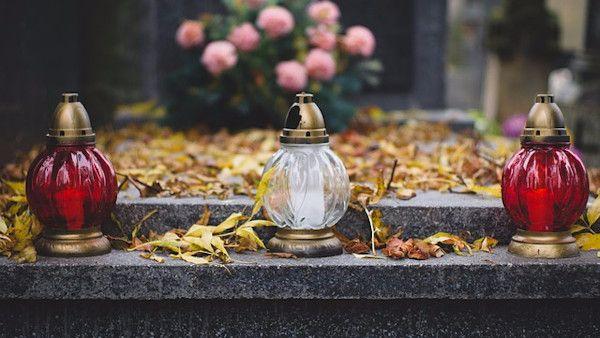 Zaczela rodzic cmentarz