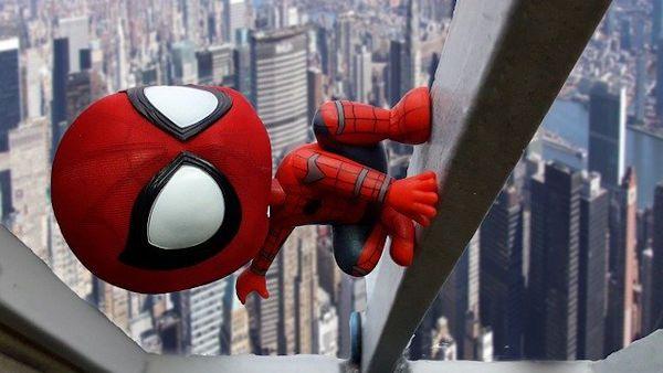 Bawili sie spider man