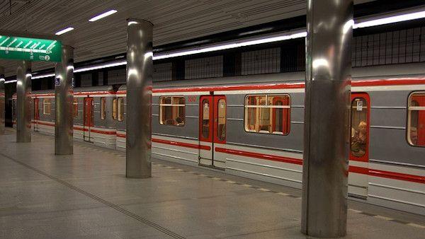 Pobil metro 8latek