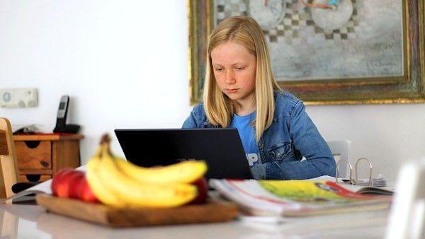 Wlamal sie lekcja online