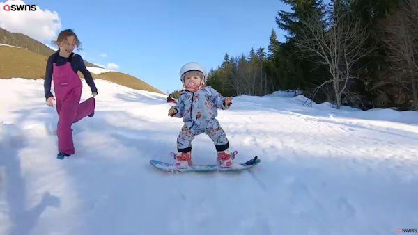 Roczna snowboardzistka