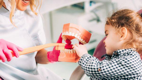 Pierwsza wizyta u stomatologa