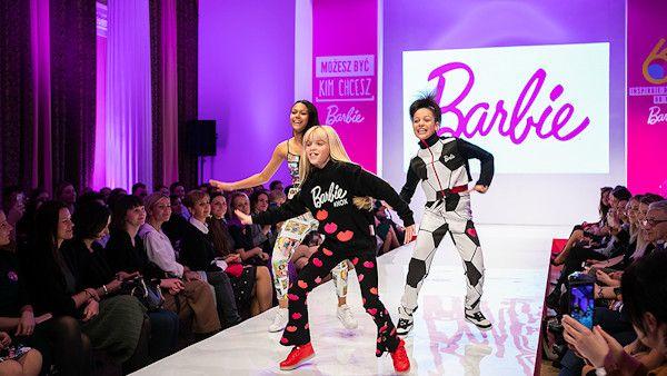 Barbie urodziny moda