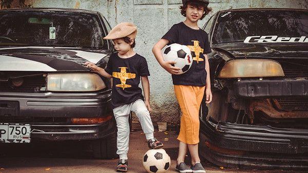 Dzieci przywlasczyly auto