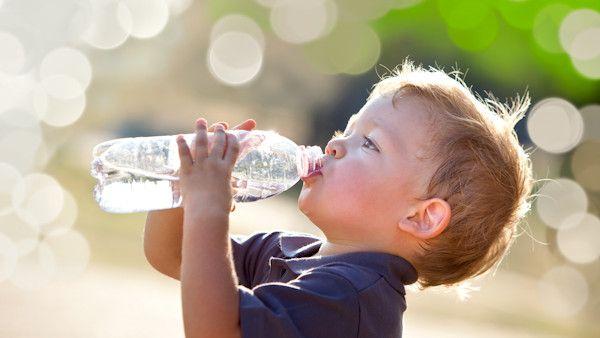 Woda niemowle dziecko