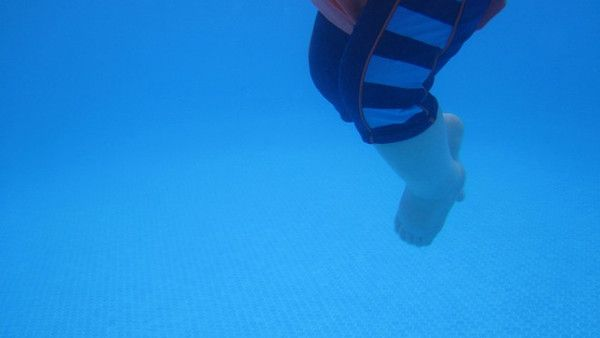 Plywanie niemowlat
